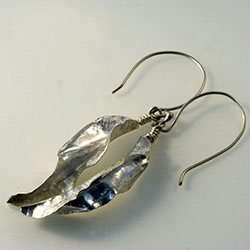 Medium Leaf Earings